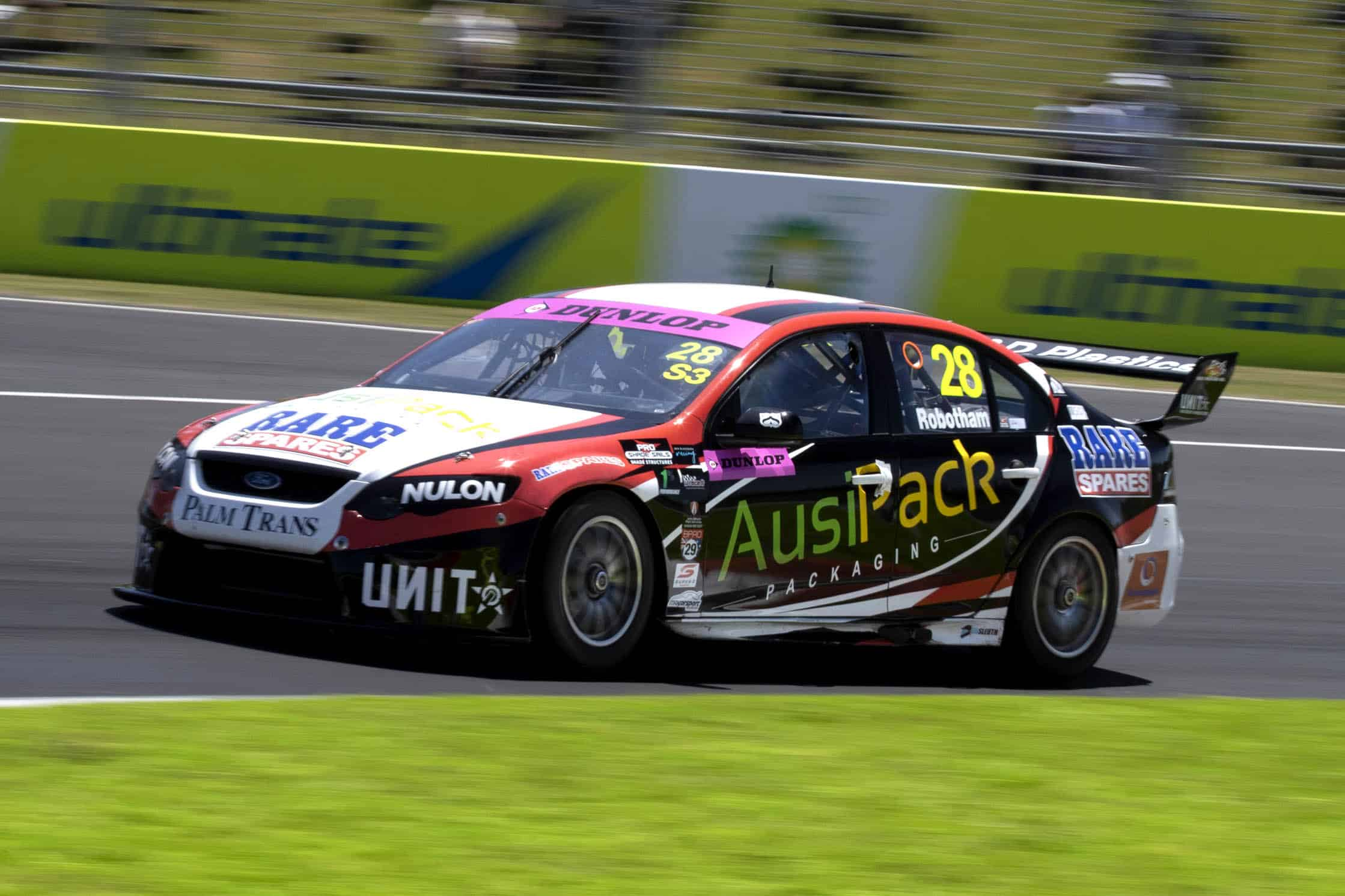 Robotham keeps his streak alive with another win at Bathurst